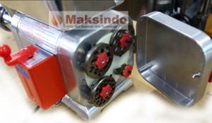 mesin giling daging taiwan murah berkualitas maksindo2 300x174 Mesin Giling Daging (Meat Grinder) TAIWAN