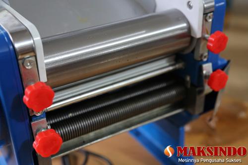 mesinpembuatmie Mesin Pembuat Mie Model MKS 200B Gratis Satu Cetakan